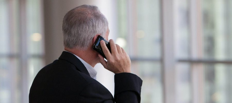 talking on phone with hearing aids (1)